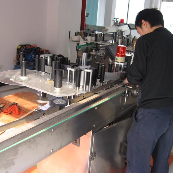 Siemens PLC automatic labeling machine with bottle separator for water bottles