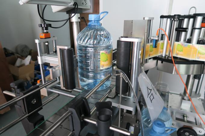 5L Drinking Water Round Bottle Sticker Labeling Machine , Self Adhesive Label Sticking Machinery