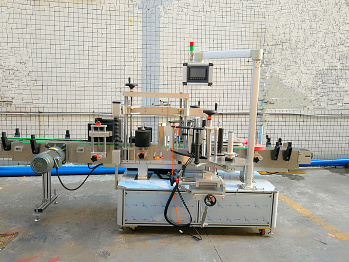Two Sides Automatic Self Adhesive Labeling Machine For Flat / Oval Bottle